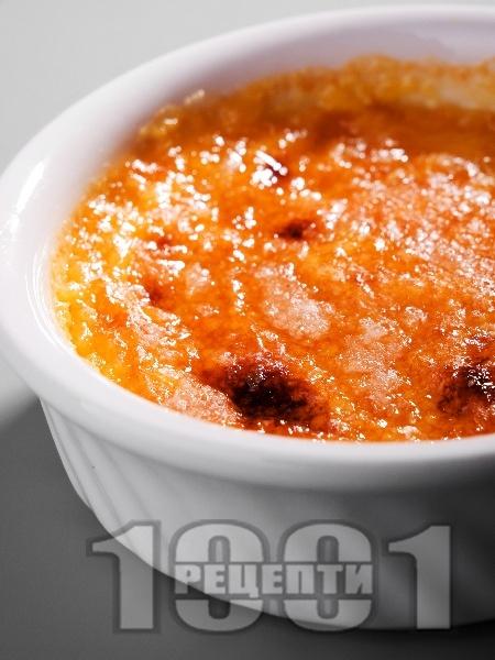 Ванилов крем с карамелен загар - снимка на рецептата